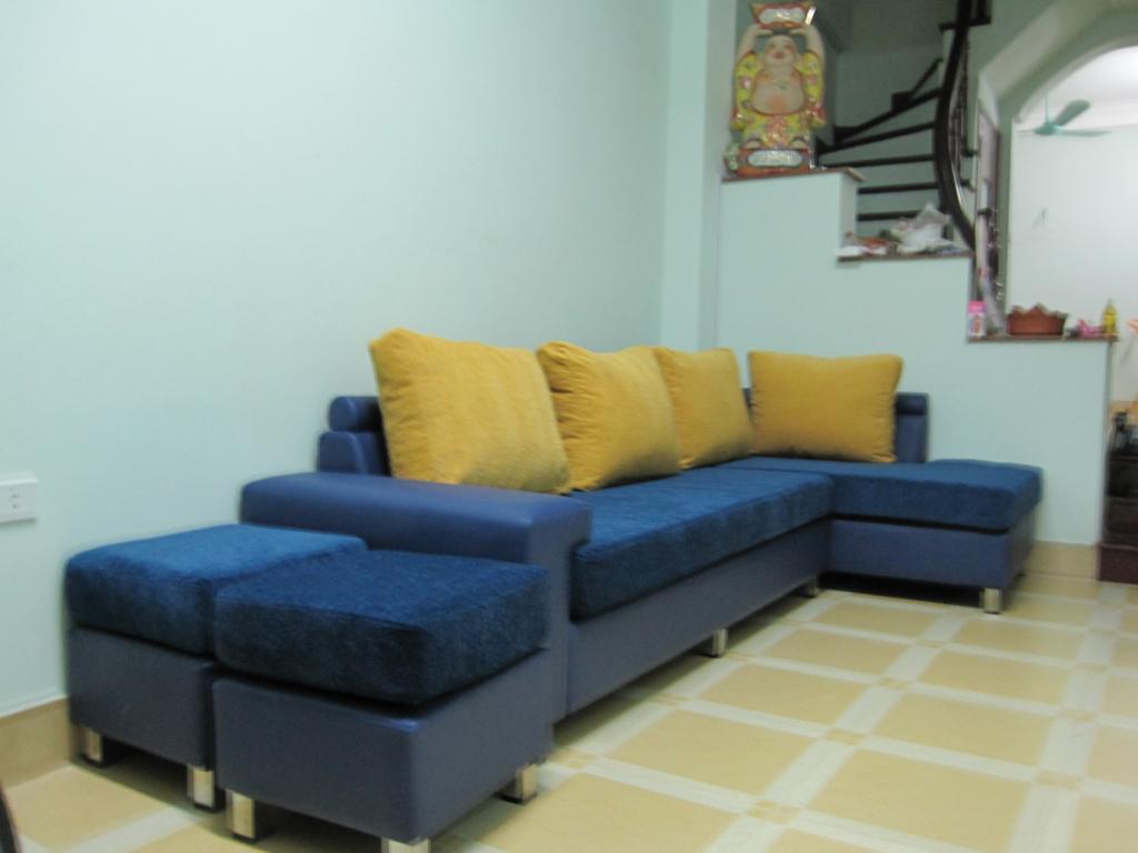 Sofa được bọc với chất liệu nỉ cao cấp nhập khẩu